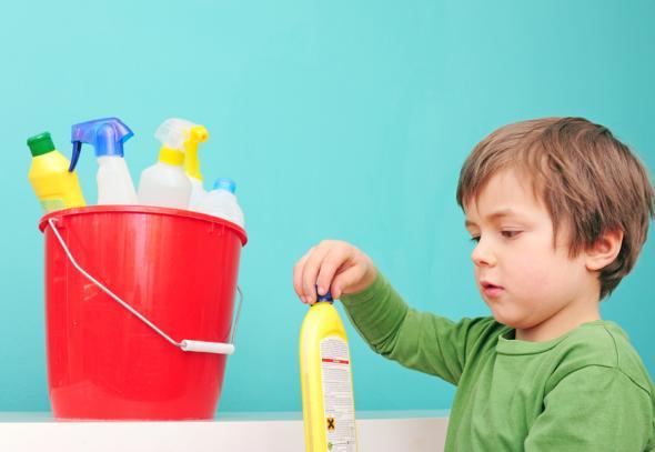 Gefahren im Haushalt - Vergiftungen bei Kindern kommen häufiger vor als man denkt.
