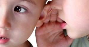 Stottern bei Kindern kommt häufiger vor.