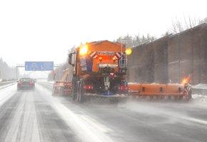 Winterdienst: Streudienst auf der Autobahn