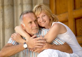 Liebespaar mit Altersunterschied - Wo die Liebe hinfällt
