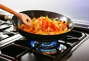 Wok - Mariniertes Hähnchenfleisch mit Orange