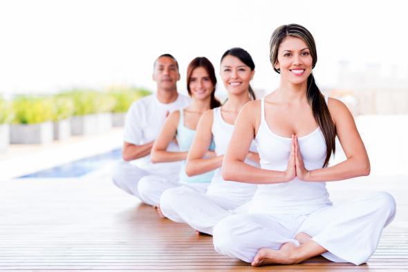 Yoga stärkt den Körper und Geist.