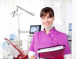 Zahnarztpraxis die neue Behandlungsmethoden anbietet